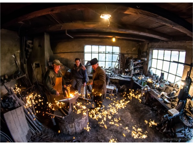 The blacksmith of the lucky horseshoe